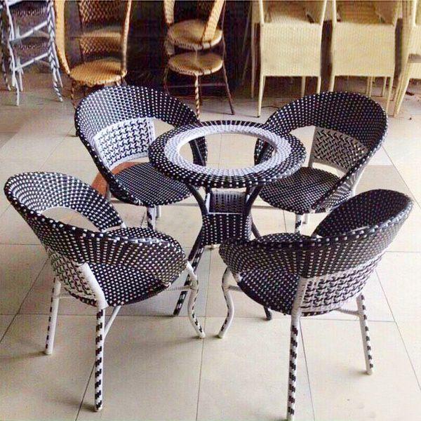 Bộ bàn ghế mây nhựa TT74