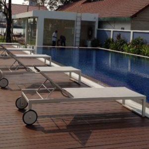 Ghế bể bơi không tay vịn