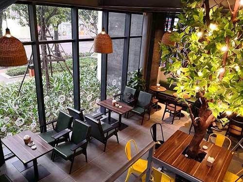Cách sắp xếp bàn ghế trong quán cafe - Không chắn lối đi