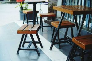 """Điểm danh các mẫu bàn ghế cafe cóc cũ """"đáng đồng tiền bát gạo"""""""