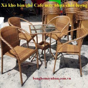 Bàn ghế xả kho - kiểu dáng ấn tượng, giá rẻ đến bất ngờ